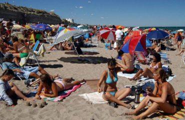 playa-lasgrutas1_0